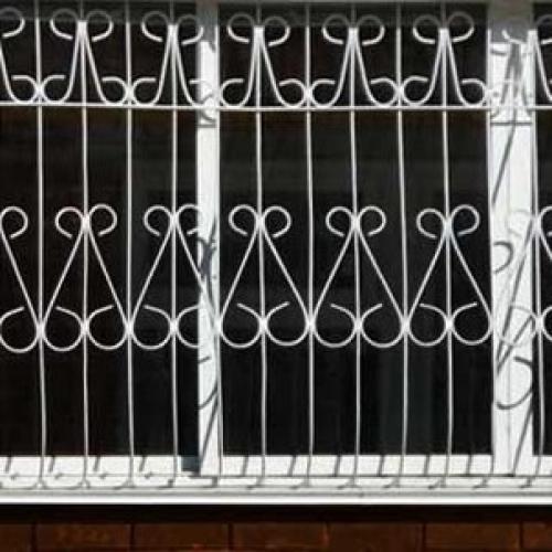 Установка защитных устройств на окна!