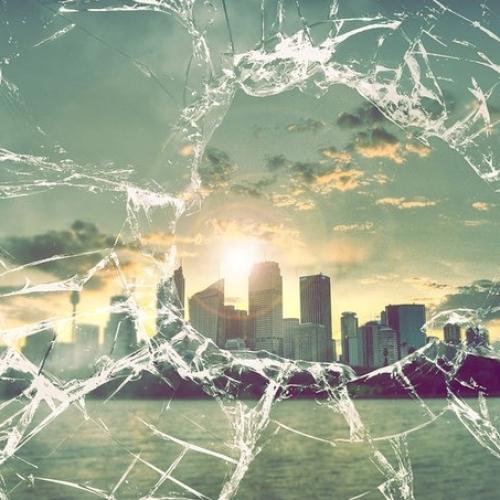 Как вынуть разбитое стекло?!