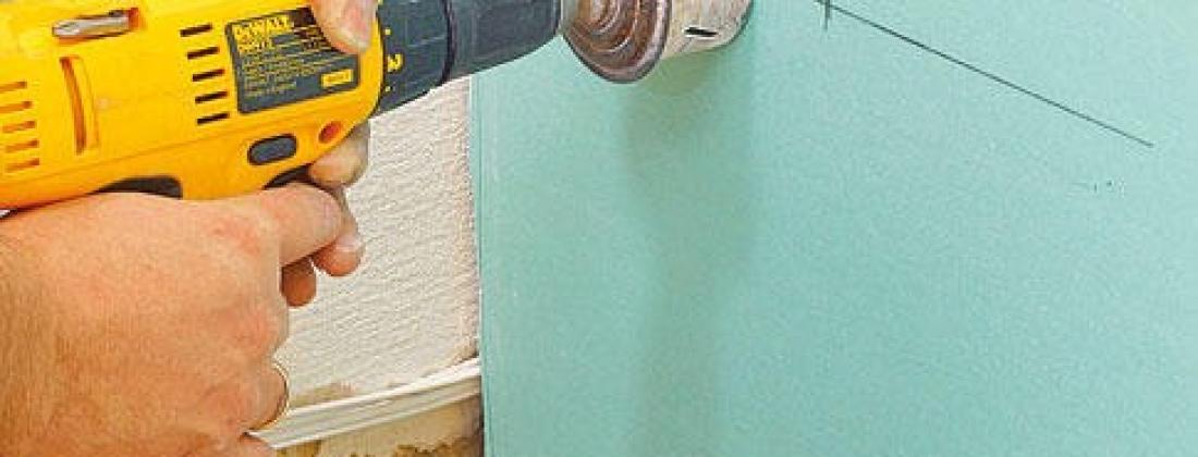 Как установить розетку в стену из гипсокартона?!